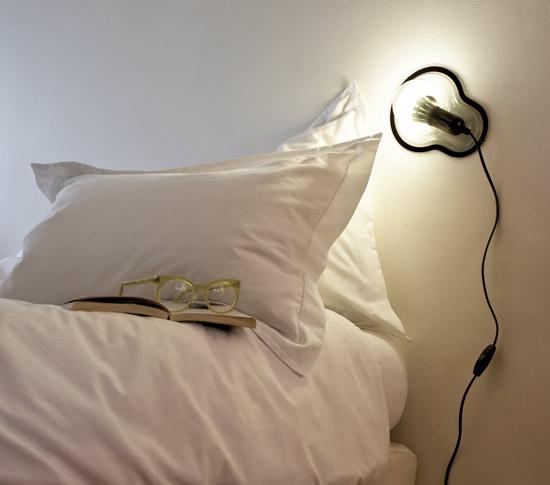 Lampe de chevet à coller pour une décoration intérieure unique