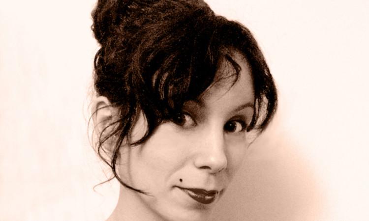Découvrez le monde mystérieux, étrange et sensuel de l'illustratrice Melle Sue