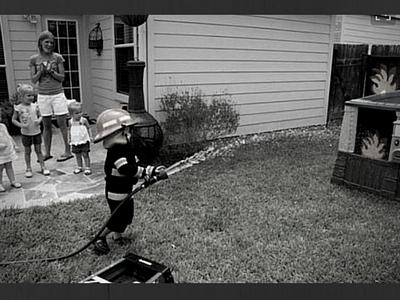 jeu d'eau et de feu dans le jardin